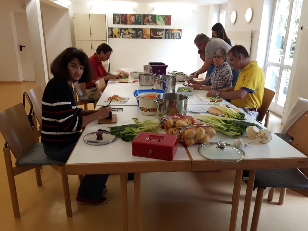 Vorbereitungen für den Eintopf zum Sommerfest 2016