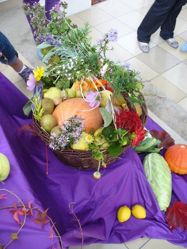 Erntedankfest 2011, von unseren Konfis gestaltet (Foto: C.Pietzsch)